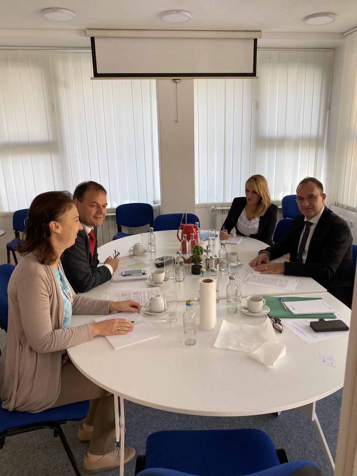 Drejtori i Byrosë për Zhvillimin Rajonal Z. Ramiz Rexhepi realizoi takim pune me Z. David Oberhuber, Drejtor i Shoqatës Gjermane për Bashkëpunim Teknik (GIZ)